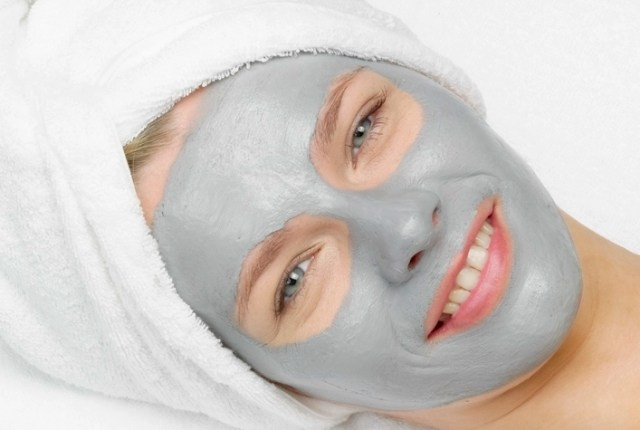 Volcanic-Ash-Clay mask